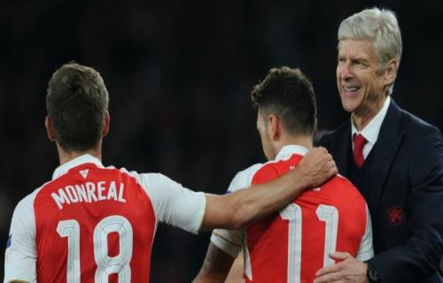 Barcelona Incar Nacho Monreal Pemain Beck Arsenal