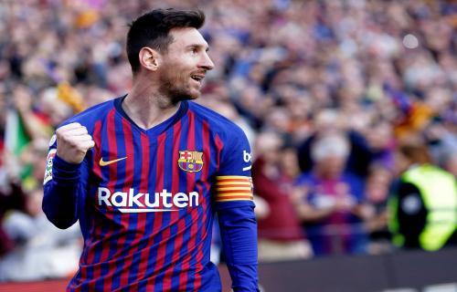 Lionel Messi Hebat Luar Biasa tapi tidak seperti Tuhan