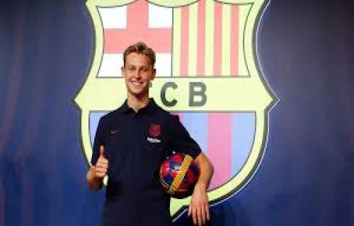 De Jong resmi membela Barcelona