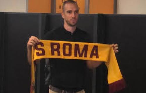 AS Roma Resmi Rekrut Pau Lopez