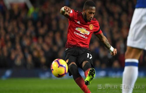 Manchester United Akan Mempertahankan Fred